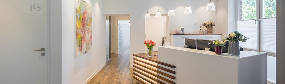 Wir freuen uns, Sie in unseren renovierten Räumlichkeiten begrüßen zu dürfen!
